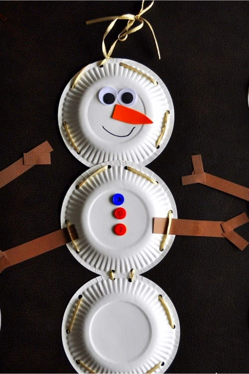 Christmas Crafts For Kids Paper Plate Snowman and more Christmas Crafts For Kids - Easy Christmas Art For Kids To Make At Home Or School