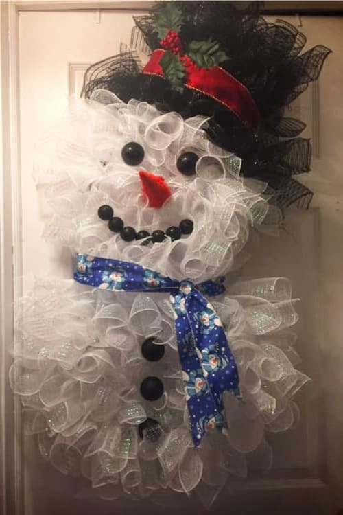 Making Christmas Decorations Ideas- Easy Christmas Decorations To Make - Christmas Decorations To Make Yourself! DIY Unique Christmas Decorations.  These cool Christmas decorations are easy Christmas decorations DIY for making Christmas decorations for outside on inside like this cute DIY deco mesh snowman wreath.