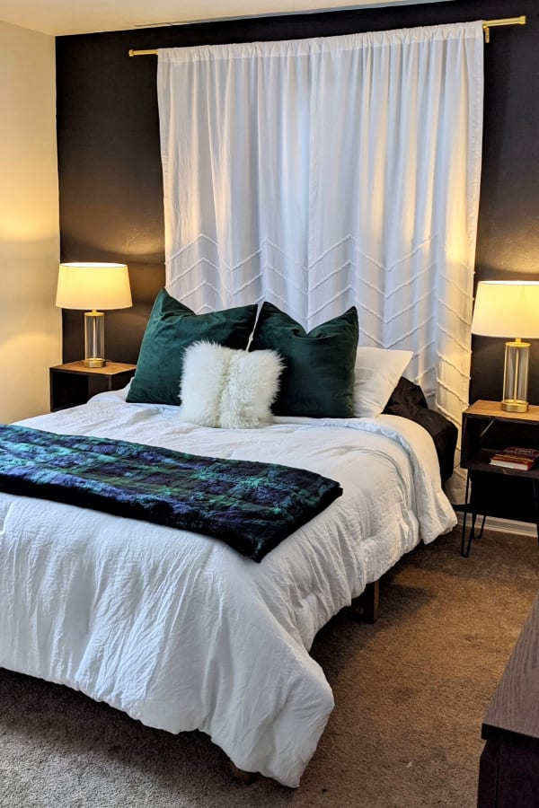 Relaxing Bedroom Decorating Ideas - Best Paint Colors For a Calming Cozy Small Bedroom
